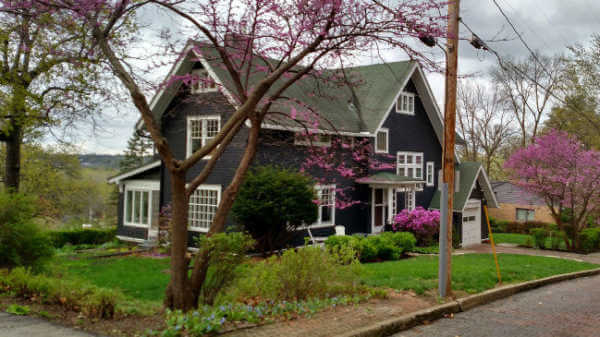 Restoring a 1907 Arts & Crafts Home in Des Moines, Iowa post image