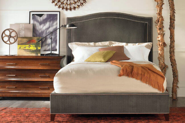 caroline-squeen-bed-pebble-hill-three-drawer-chest