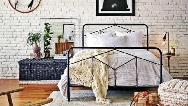 casey-metal-bed