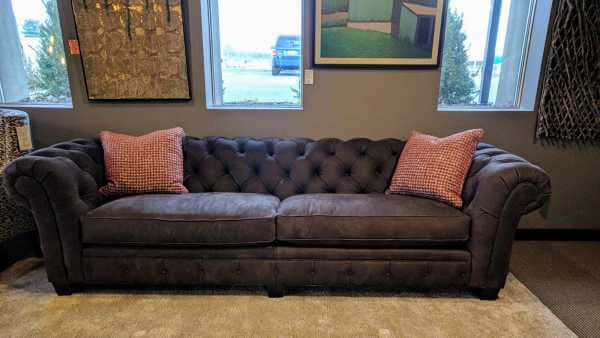 114380 Chester Sofa - long