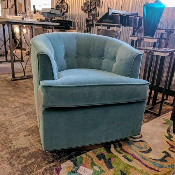 129022 Vencent Swivel Chair
