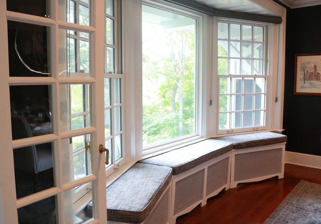 dining window seat