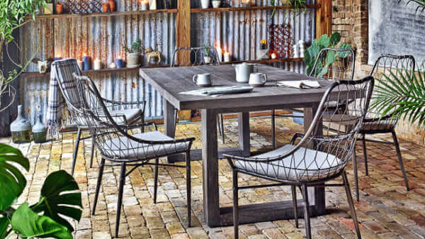 faux-bois-outdoor-dining-table-arman-dining-chairs