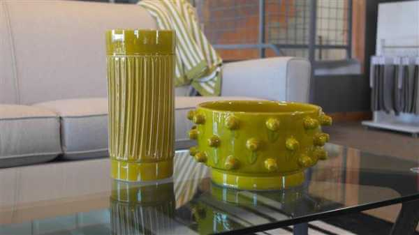 Knob Bowl and Modern Vase