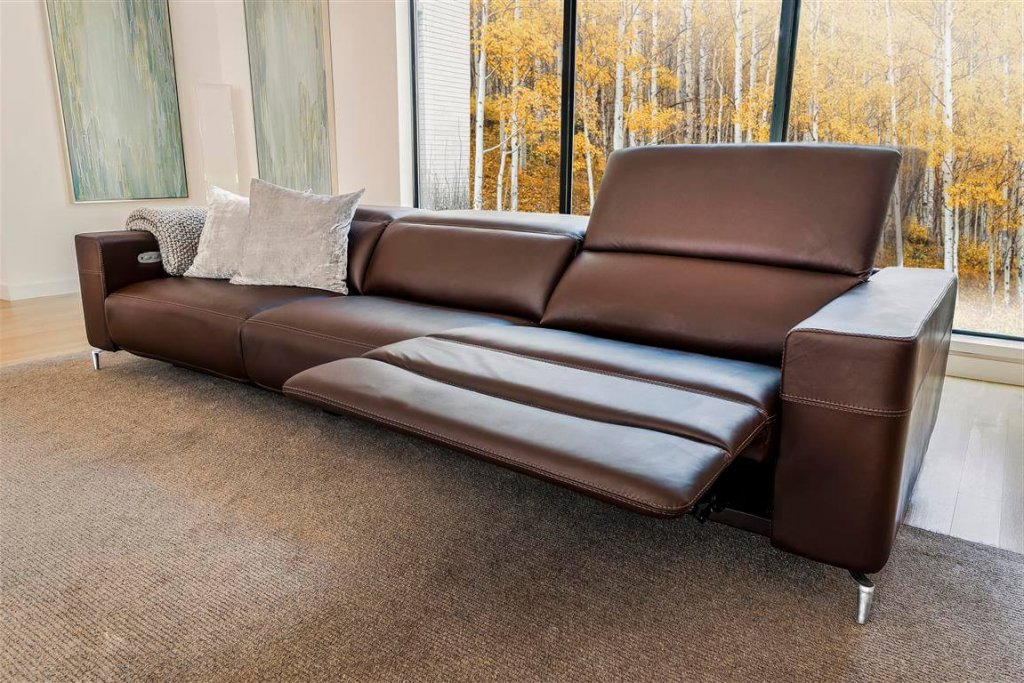 Monza-sofa-Style-in-Motion-collection