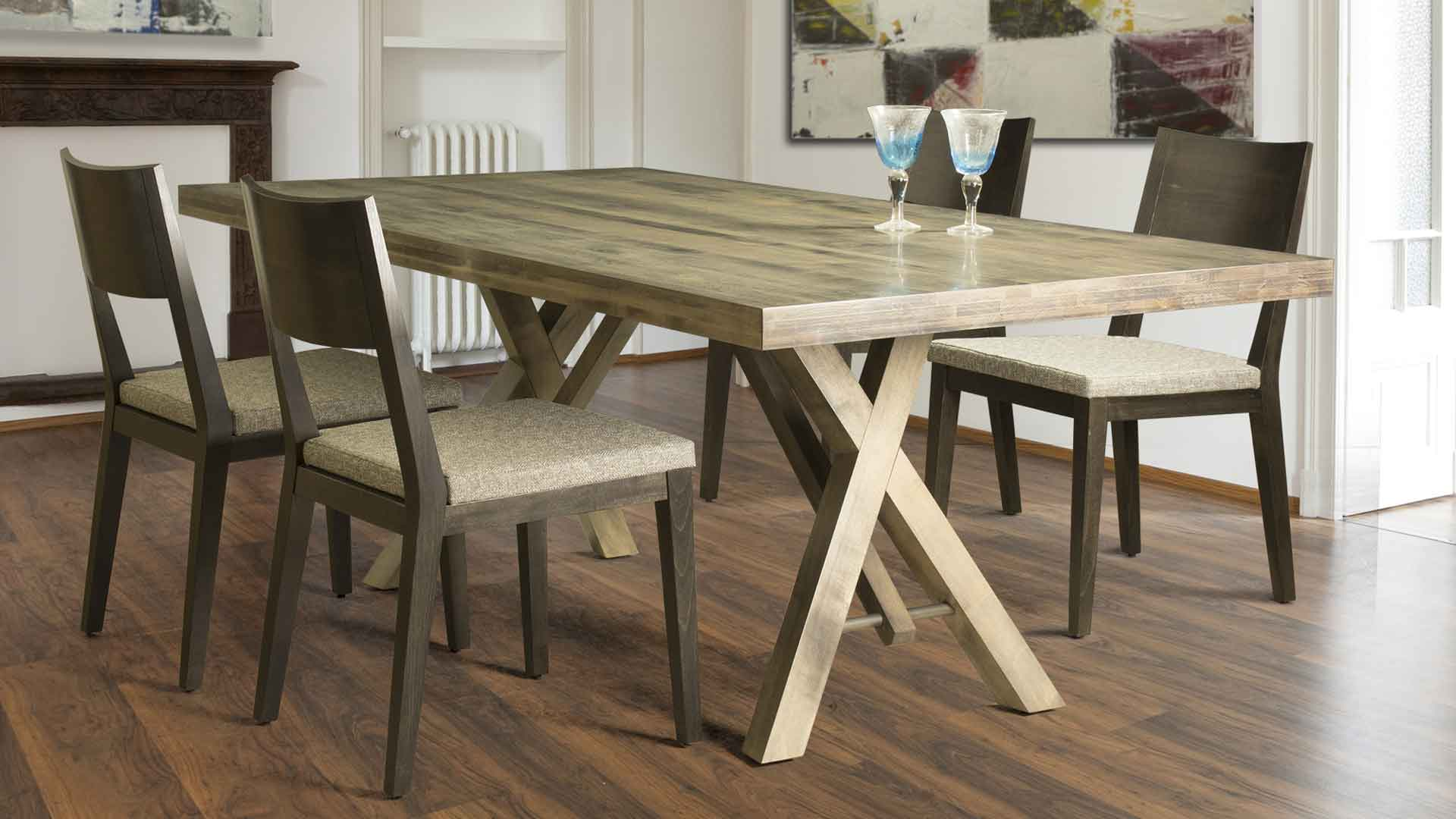 Contemporary Round Dining Kitchen Solid  Wood Table in Maple Finish