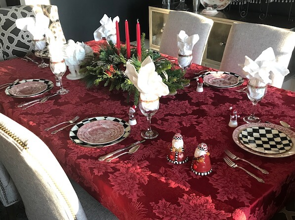 A beautiful table for Christmas post image