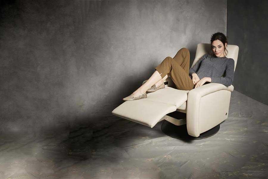 comfort-recliner-promo|by Design Des Moines